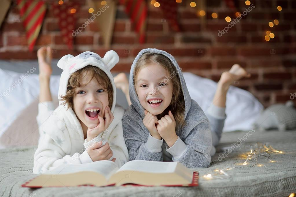 depositphotos 129957280 stock photo two children brother and sister